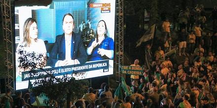 Ato de comemoração da vitória de Bolsonaro no parque Moinhos de Vento, em Porto Alegre.