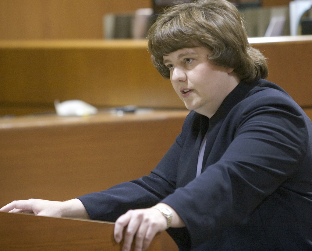 In this Oct. 27, 2004 photo Rachel Mitchell makes an opening statement in the trial of priest Karl LeClaire at court in Mesa, Ariz.  Senate Republicans are bringing Mitchell to handle questioning about allegations of sexual assault against Supreme Court nominee Brett Kavanaugh at Thursday, Sept. 27, 2018  Senate Judiciary Committee hearing.  (Jack Kurtz /The Arizona Republic via AP, Pool)