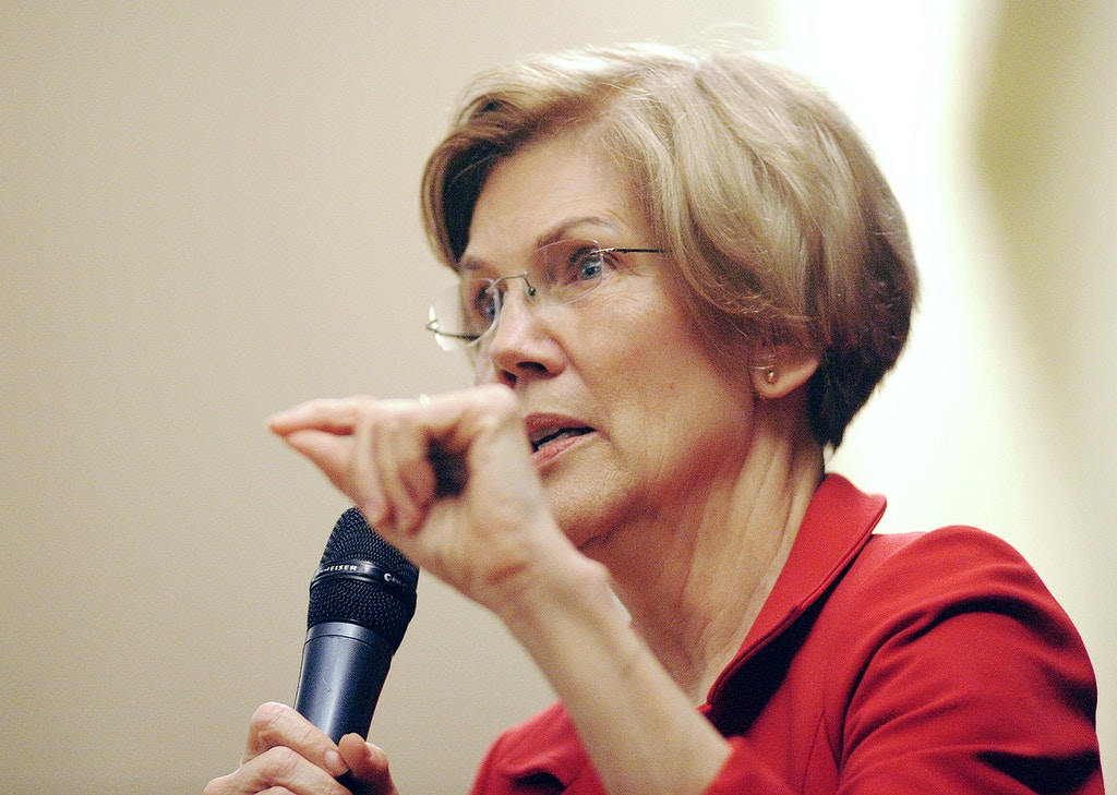 US Senator Elizabeth Warren (D-MA) addresses a town hall meeting in Roxbury, Massachusetts, October 13, 2018. (Photo by Joseph PREZIOSO / AFP)        (Photo credit should read JOSEPH PREZIOSO/AFP/Getty Images)