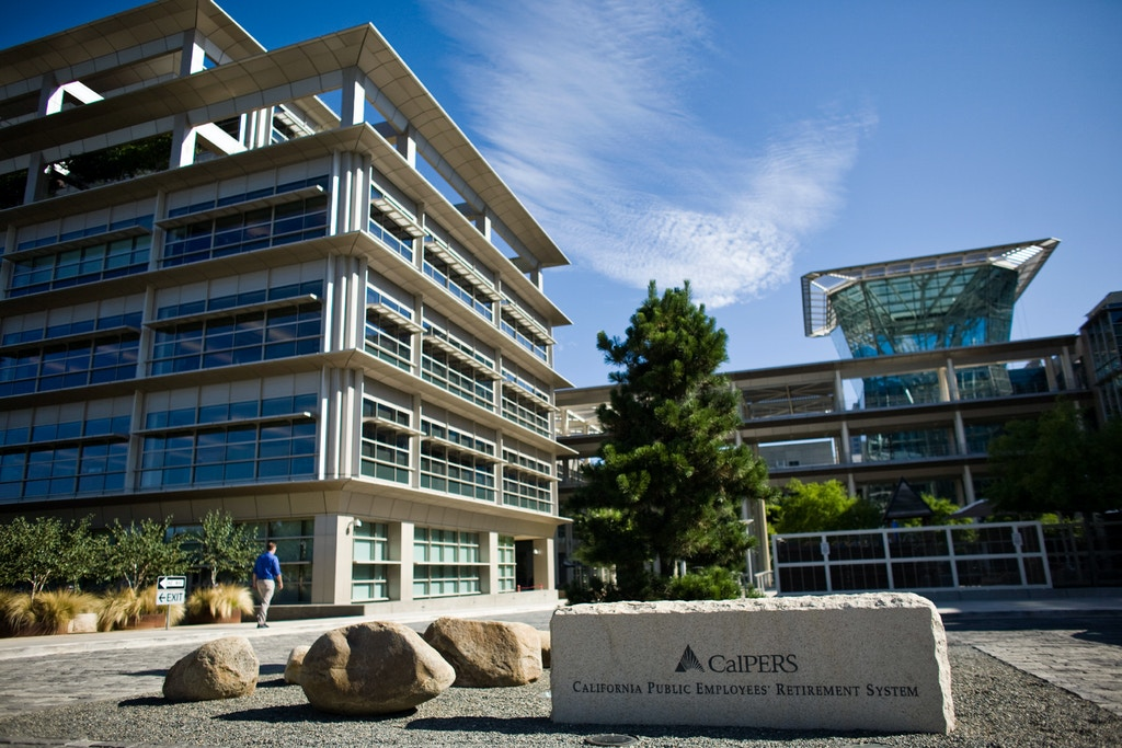 SACRAMENTO, CA - JULY 21:   The California Public Employees' Retirement System building in Sacramento, California July 21, 2009. CalPERS, the state's public employees retirement fund, reported a loss of 23.4%, its largest annual loss. (Photo by Max Whittaker/Getty Images)