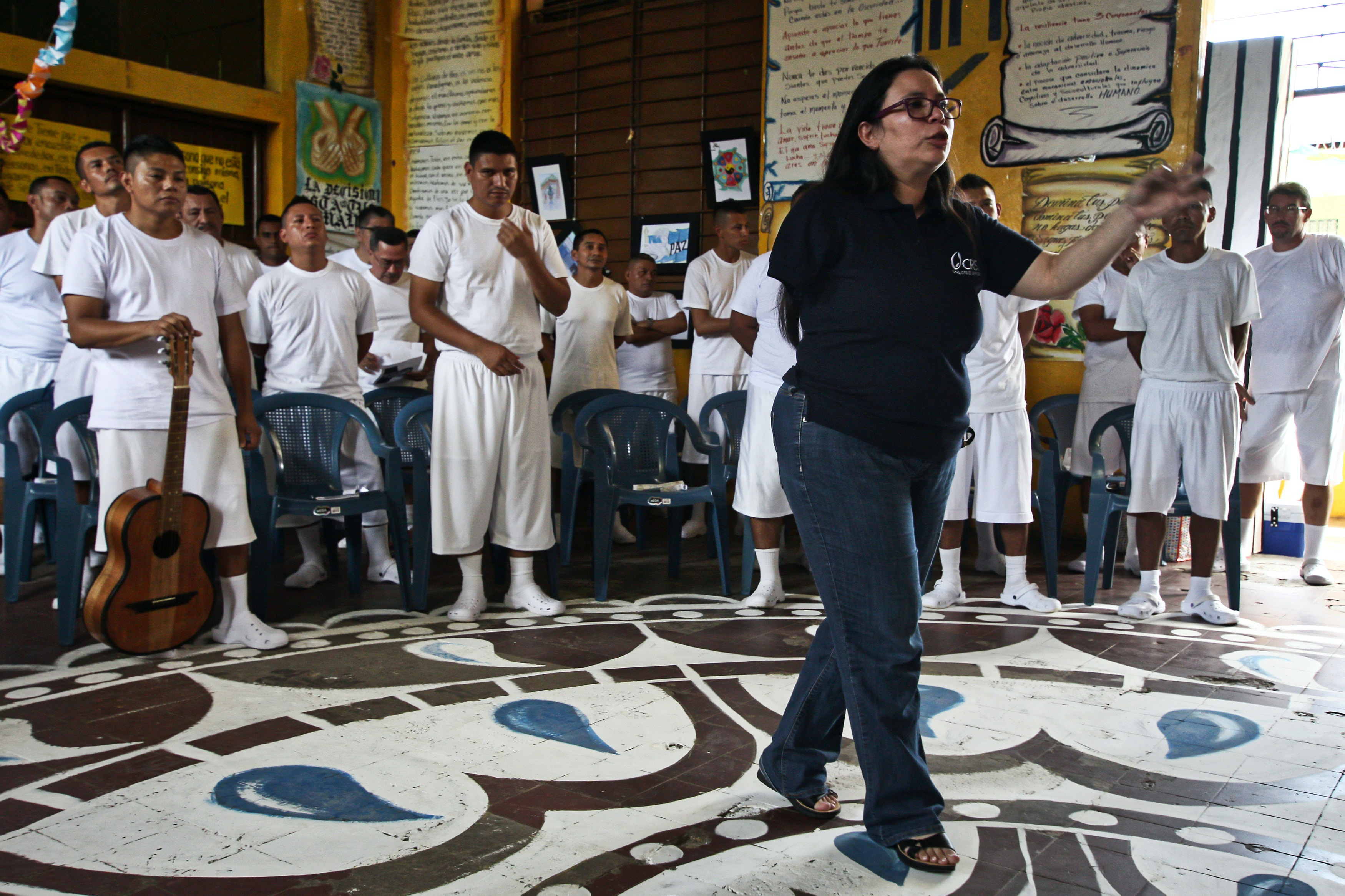 Roxana Anaya is a social worker that coordinates program Second Chance inside prisons of El Salvador. The program was created by Catholic Relief Sevices.