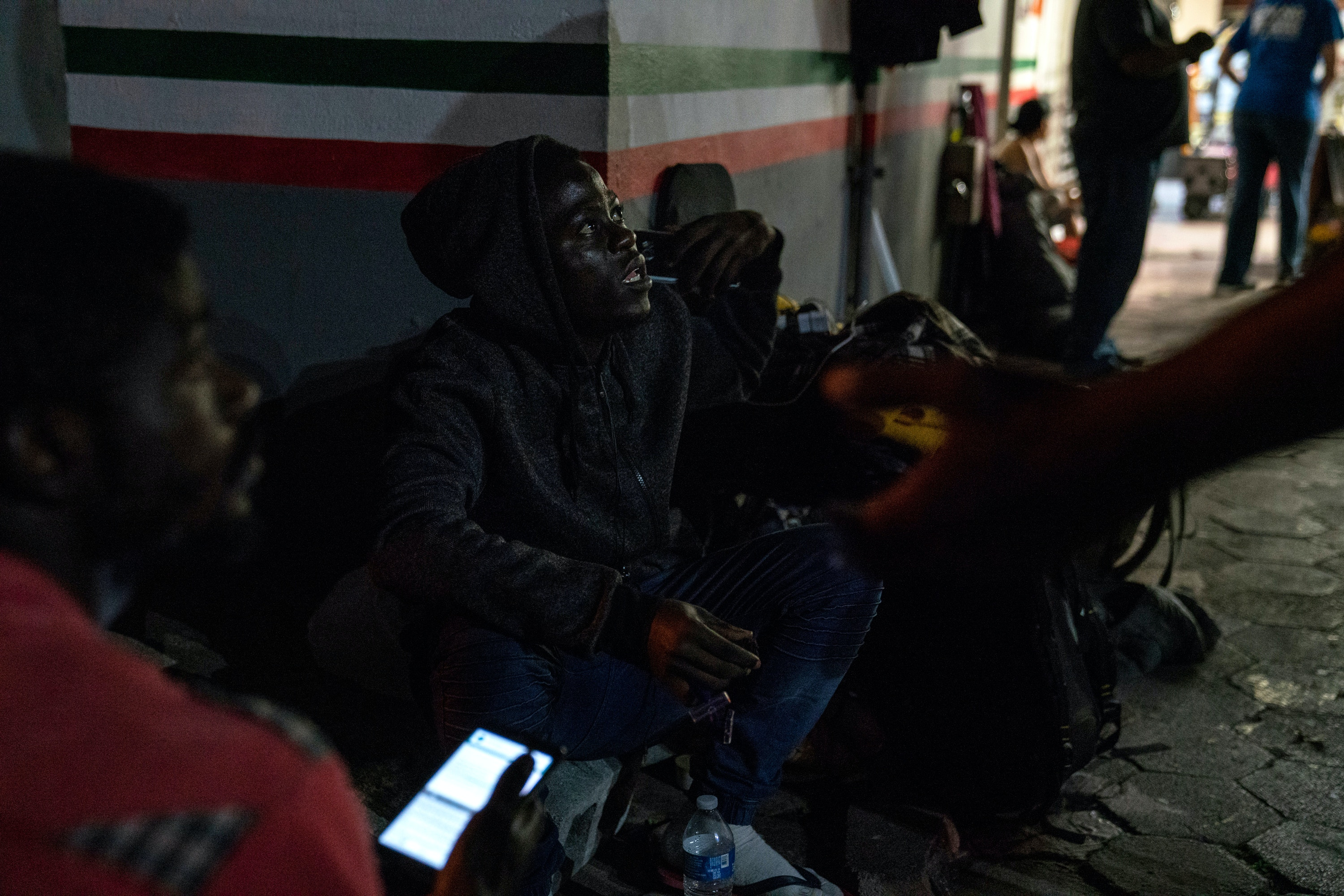 Ngomeioh, from Cameroon, waits to seek asylum in the U.S. near the Gateway International Bridge in Matamoros, Tamaulipas on Nov. 5, 2018. Photo: Verónica G. Cárdenas for The Intercept
