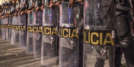 SÃO PAULO, SP, 01.06.2016 - Batalh?£o de Choque da Pol??cia Militar durante o protesto