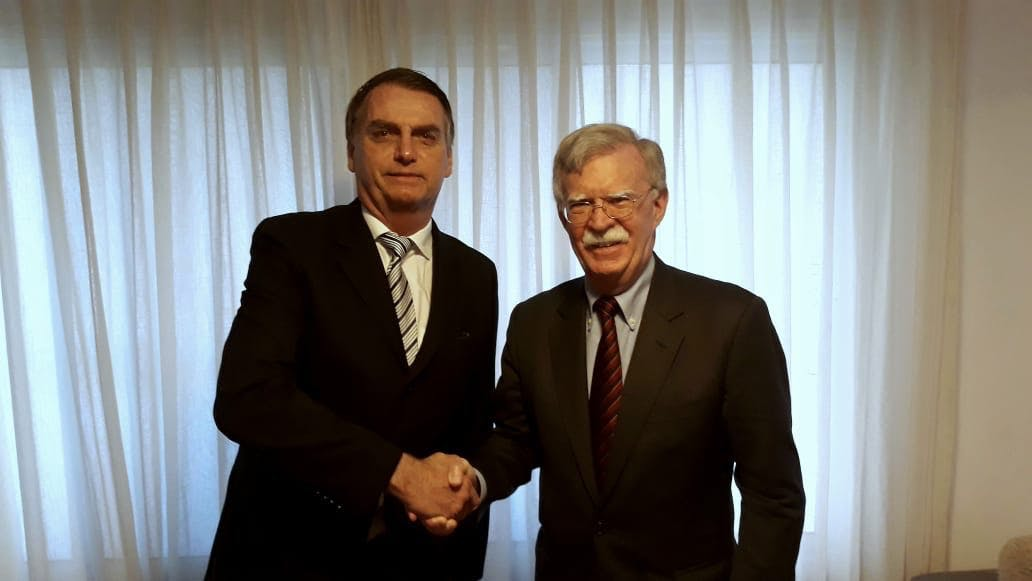 No dia 29 de novembro, o presidente eleito Jair Bolsonaro recebeu a visita de John Bolton, conselheiro de segurança nacional dos EUA.