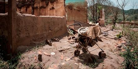 O deslizamento de 2015 deixou 19 mortos e espalhou rejeito de minério por 650 km de rios, até a foz do rio Doce.