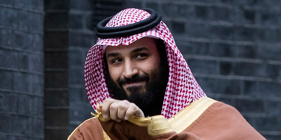 LONDON, ENGLAND - MARCH 07: Saudi Crown Prince Mohammed bin Salman arrives to meet with British Prime Minister Theresa May on the steps of number 10 Downing Street on March 7, 2018 in London, England. Saudi Crown Prince Mohammed bin Salman has made wide-ranging changes at home supporting a more liberal Islam. Whilst visiting the UK he will meet with several members of the Royal family and the Prime Minister. (Photo by Dan Kitwood /Getty Images)