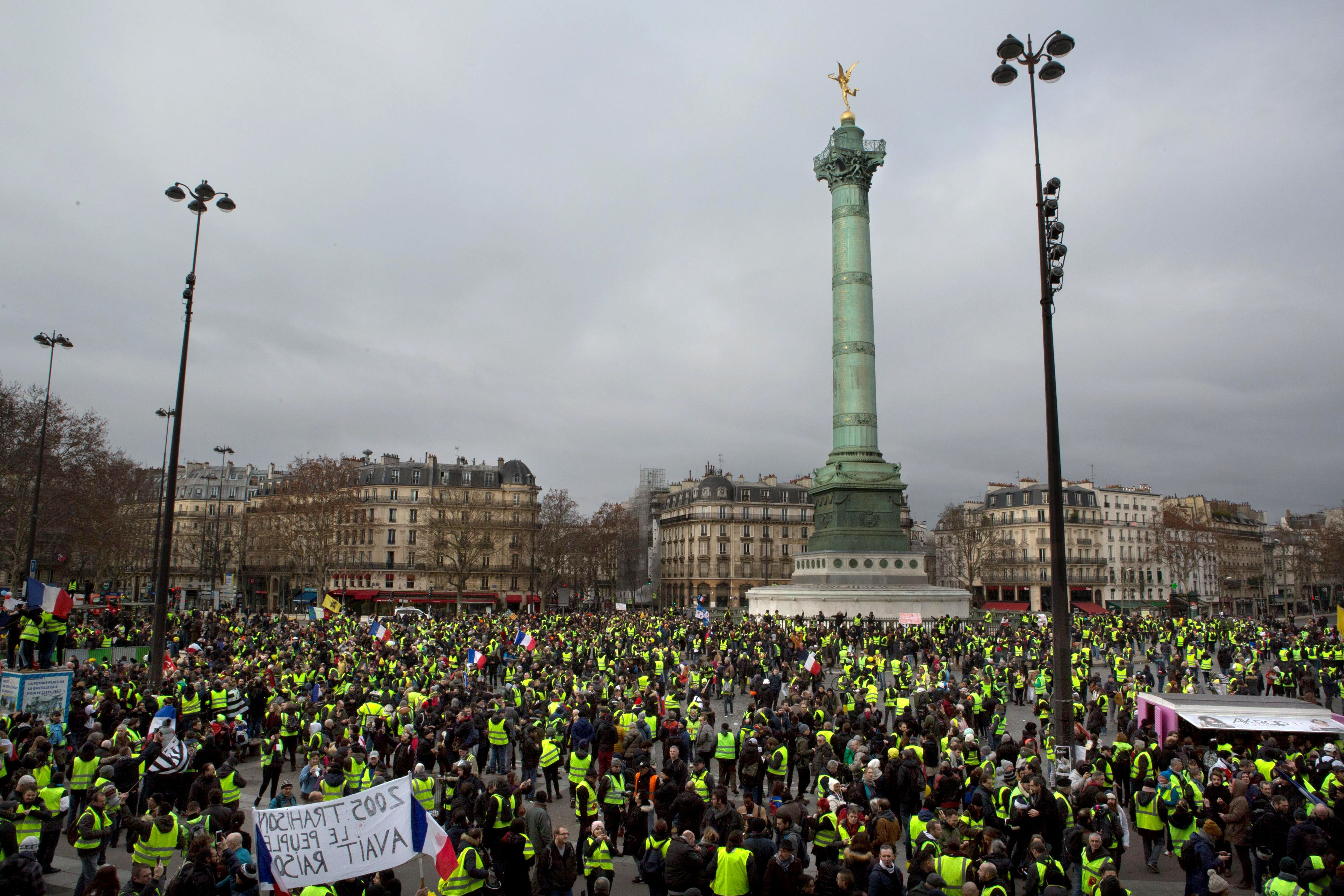 Gilet Jaune protesters march in Paris, France, January 12, 2018. Joe Penney for The Intercept
