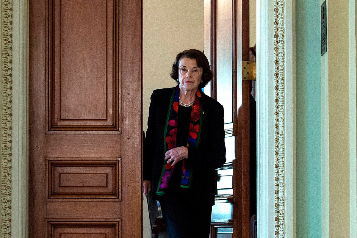 viral confrontation between dianne feinstein and activists had real political impact dianne feinstein