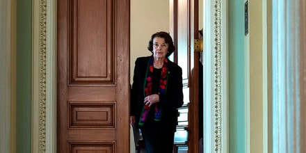 Democratic US Senator Dianne Feinstein walks to a press briefing about the recent FBI investigation into US Supreme Court nominee Brett Kavanaugh on Capitol Hill in Washington, DC on October 4, 2018. - Top Democrats on Thursday denounced the latest FBI investigation into sexual assault allegations against Kavanaugh as