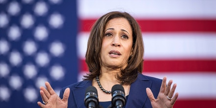 Senator Kamala Harris, a Democrat from California, speaks during an event to launch presidential campaign in Oakland, California, U.S., on Sunday, Jan. 27, 2019. Harris's likely path to the Democratic nomination runs through black voters, who made up a quarter of the primary electorate in 2016 and were critical to nominating Hillary Clinton, as well as to electing Barack Obama in 2008 and 2012. Photographer: David Paul Morris/Bloomberg via Getty Images