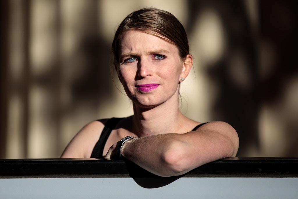 LONDON, ENGLAND - OCTOBER 01: Former American soldier and whistleblower Chelsea Manning poses during a photo call outside the Institute Of Contemporary Arts (ICA) ahead of a Q&A event on October 1, 2018 in London, England.  In 2010 Manning was convicted of leaking secret US documents and served seven years in military prison before being released. (Photo by Jack Taylor/Getty Images)