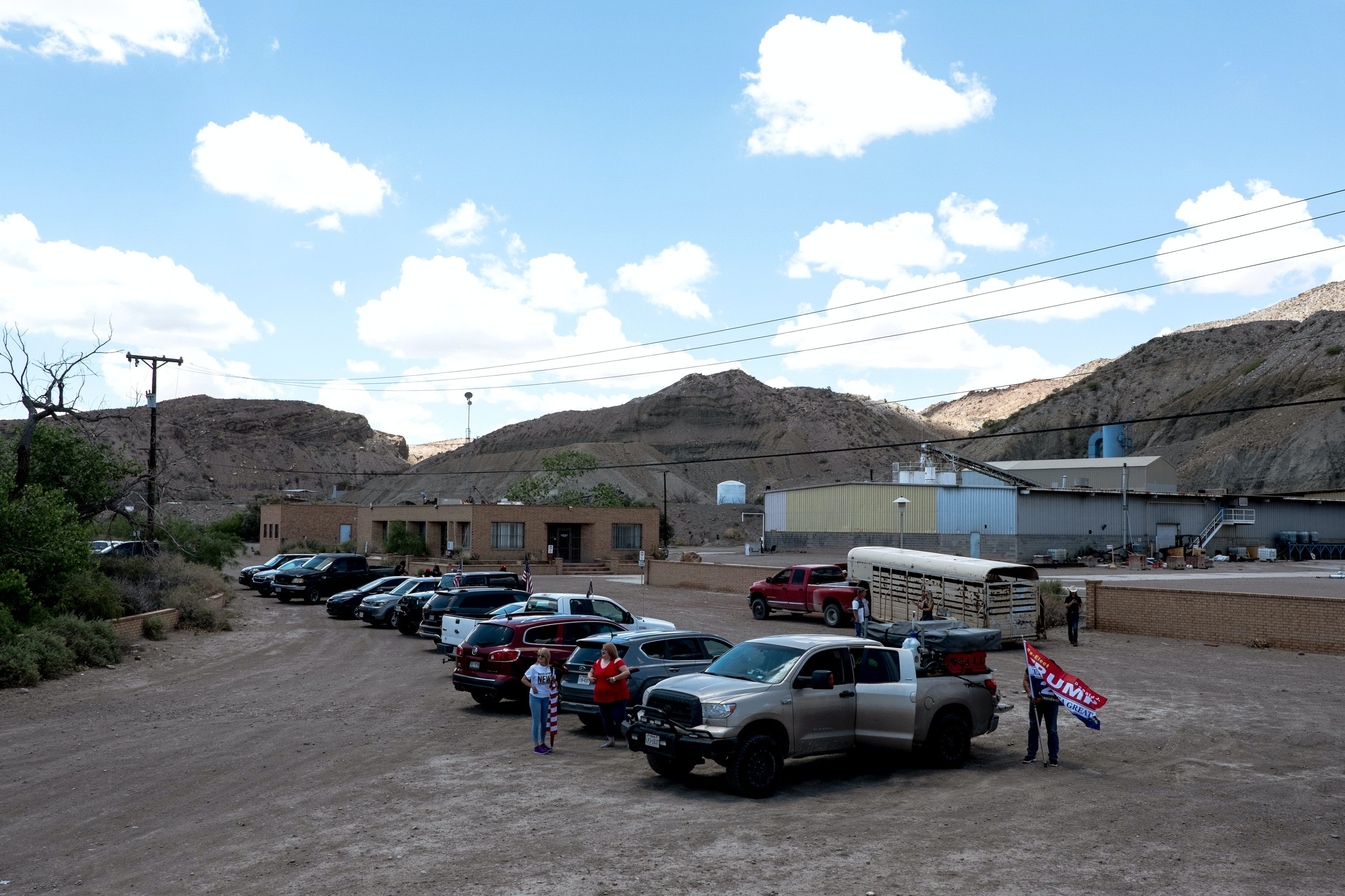 Trump supporters gather on land owned by the American Eagle Brick Company along U.S.-México border on the outskirts of Sunland Park, New Mexico, Saturday, May 11, 2019. (Joel Angel Juárez for The Intercept)