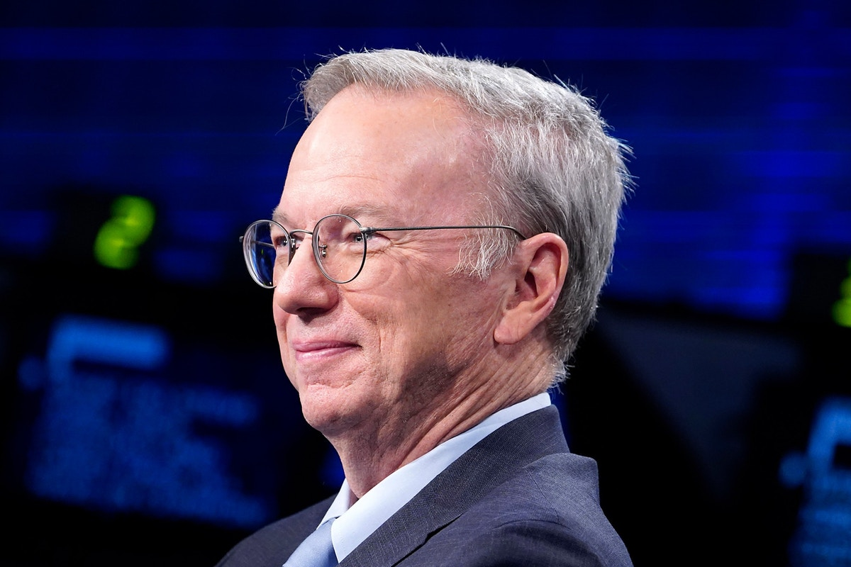 """Google's Censored Search Would Help China """"Be More Open,"""" Said Ex-CEO Eric Schmidt"""