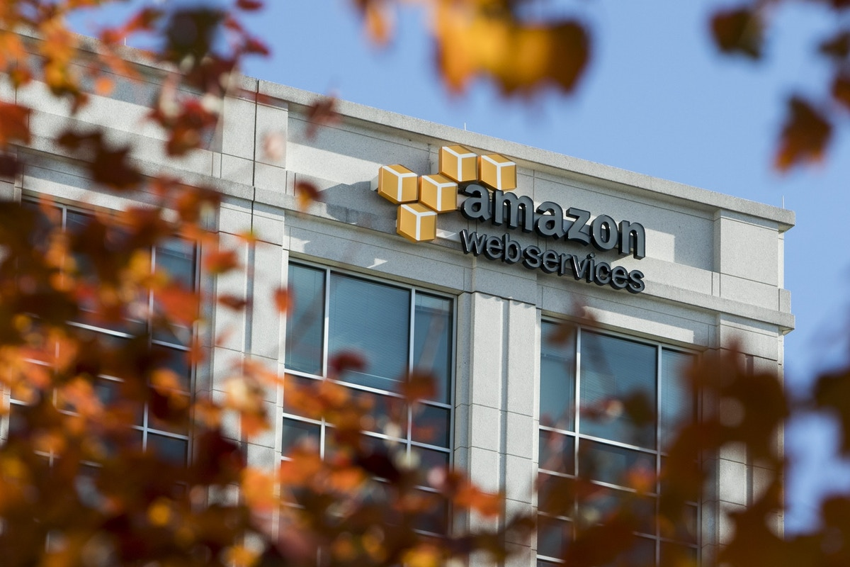 Amazon Offered Job to Pentagon Official Involved With $10 Billion Contract It Sought