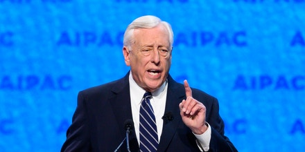 WASHINGTON, DC, UNITED STATES - 2019/03/24: U.S. Representative Steny Hoyer (D-MD), House Majority Leader seen speaking during the American Israel Public Affairs Committee (AIPAC) Policy Conference in Washington, DC. (Photo by Michael Brochstein/SOPA Images/LightRocket via Getty Images)