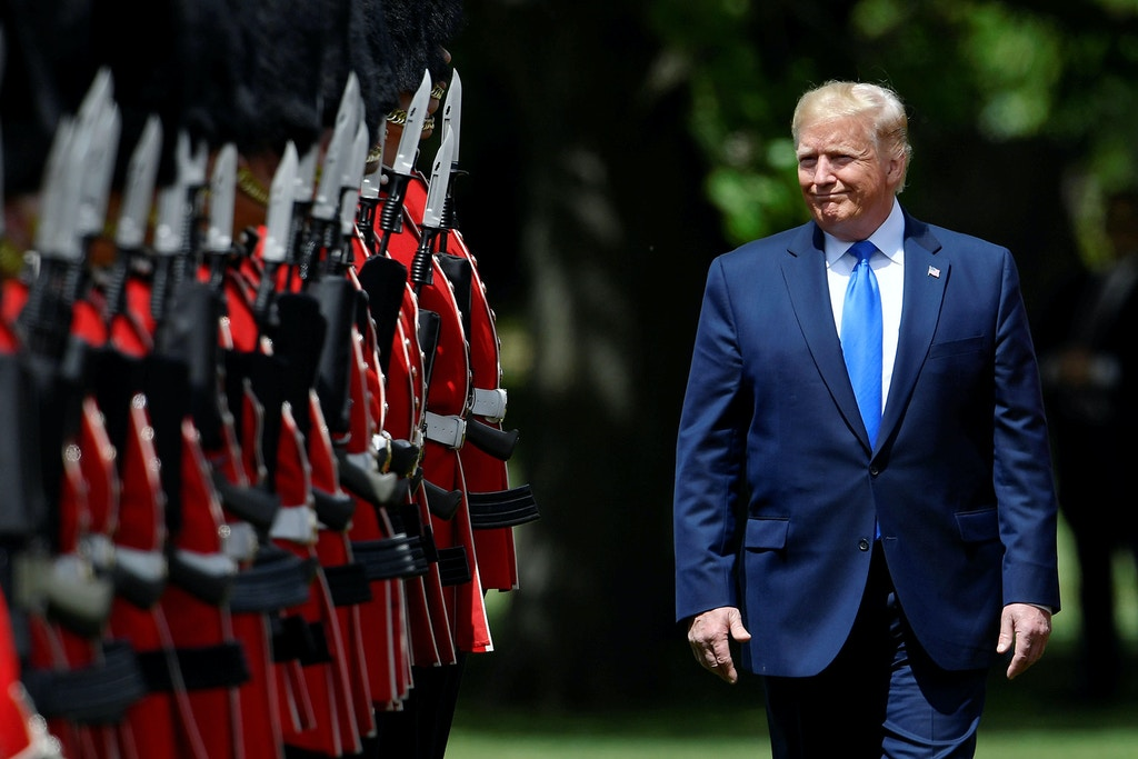 GettyImages-1147728683-trump-england-1559586166