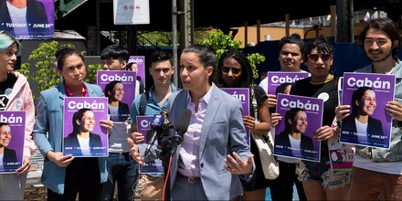 Tiffany Cab·n, who is running for district attorney in Queens, May 22, 2019. Cab·n, who was recently endorsed by Rep. Alexandria Ocasio-Cortez, is the latest in a new wave of public defenders running for district attorney, and hoping to reform the system from within.  (Gabriella Angotti-Jones/The New York Times)