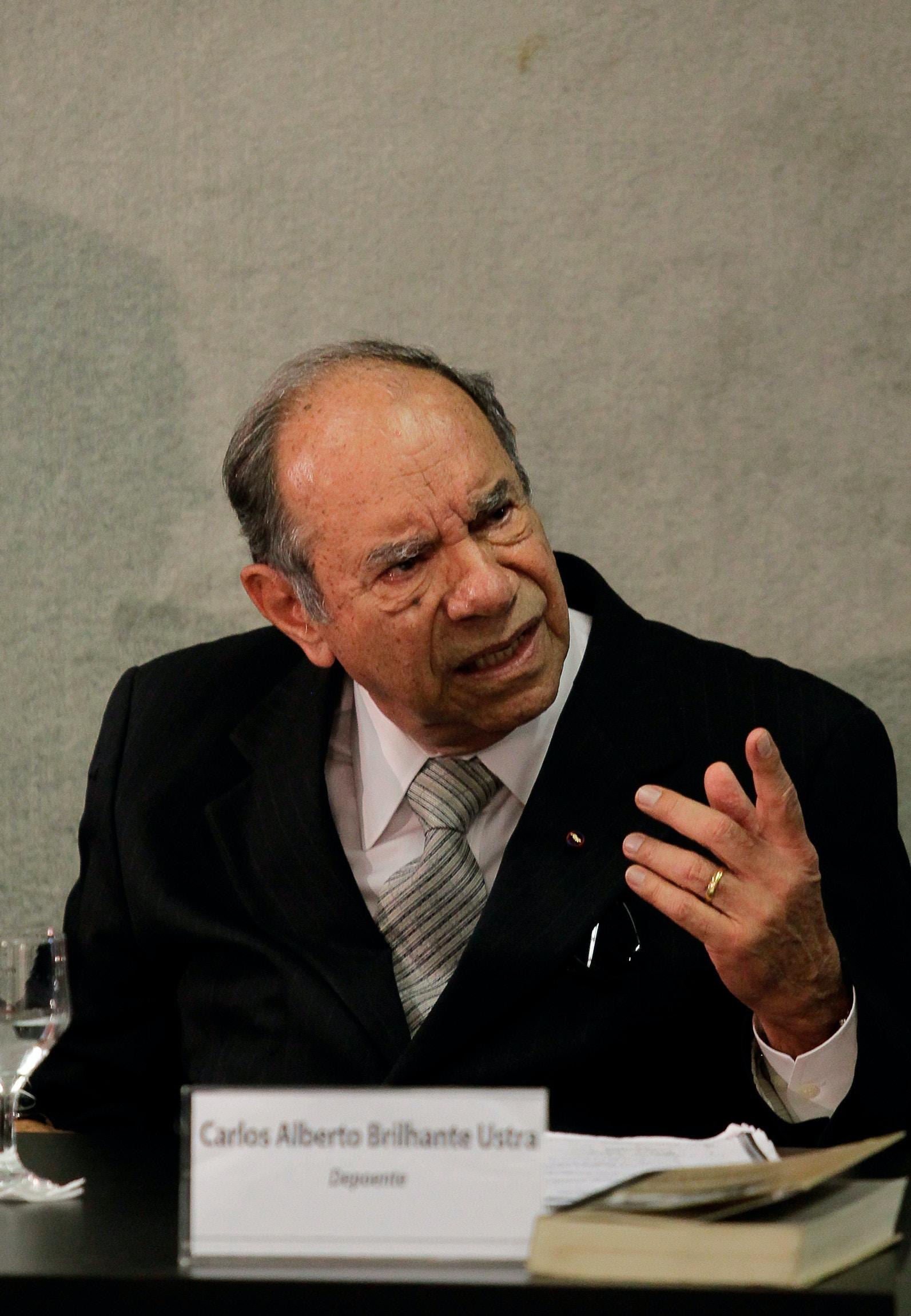 O coronel reformado e ex-comandante do DOI-Codi-SP, Carlos Alberto Brilhante Ustra, na primeira audiência pública promovida pela Comissão Nacional da Verdade, em Brasília (DF).