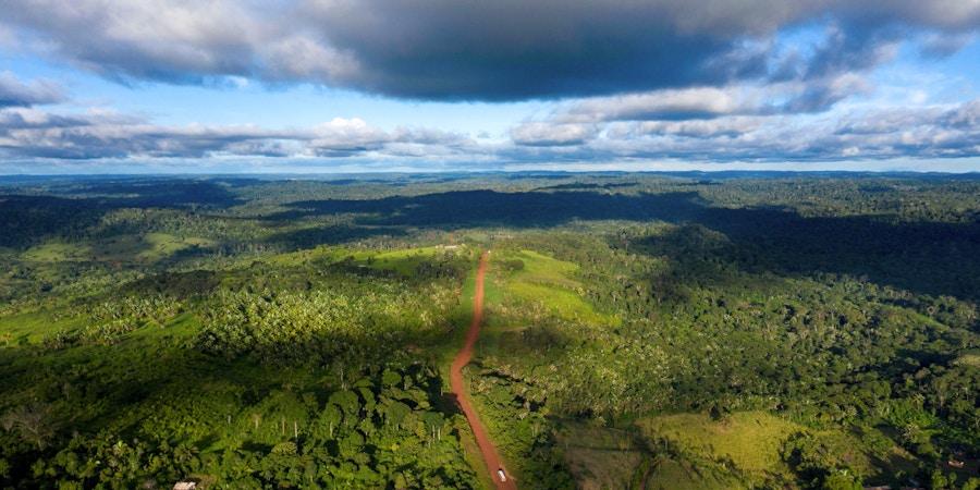 Vista aérea da rodovia Transamazônica perto de Medicilândia, no Pará, em 13 de março de 2019.