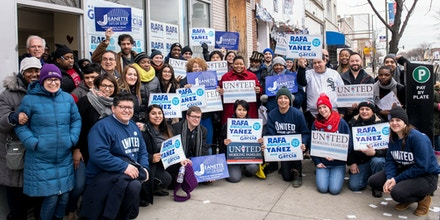 On the South Side of Chicago, volunteers gather to canvass for Rafael Yañez and Jeanette Taylor, United Working Families-endorsed candidates running for Chicago City Council, on Feb. 16, 2019.