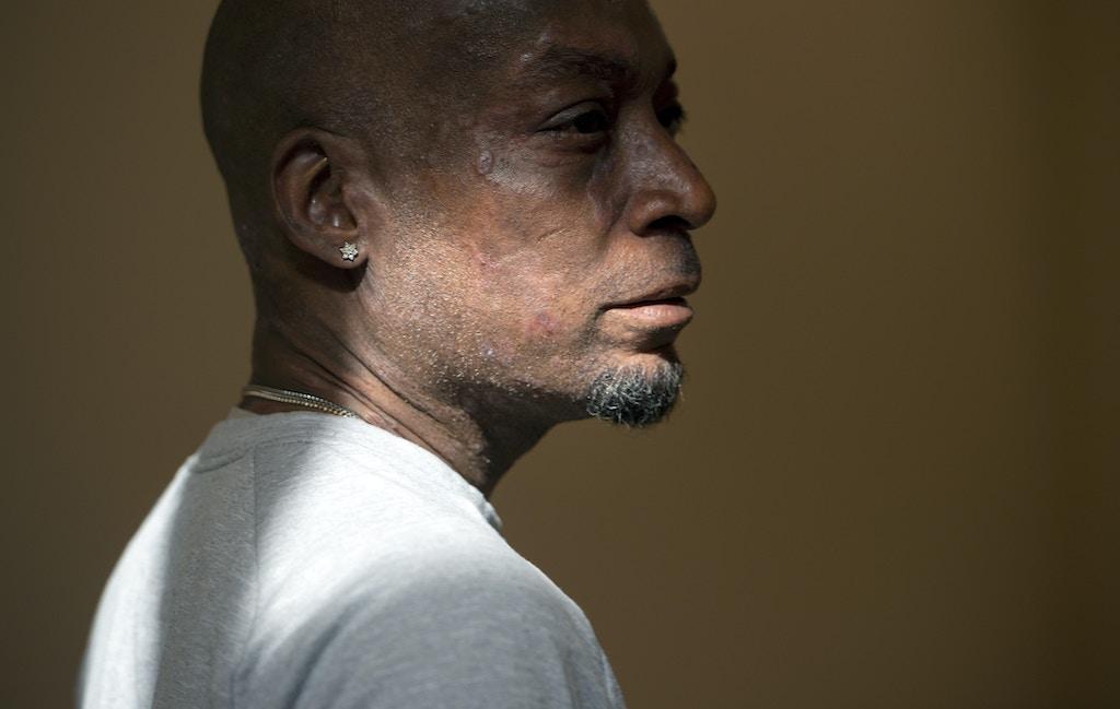 O autor do processo, Dewayne Johnson, depois de ouvir o veredito em seu caso contra a Monsanto no Tribunal Superior da Califórnia, em San Francisco, em 10 de agosto de 2018.
