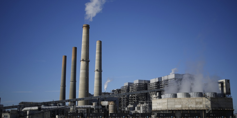 The NRG Energy Inc. WA Parish generating station stands in Thompsons, Texas, U.S., on Thursday, Feb. 16, 2017. The plant is home to the Petra Nova Carbon Capture Project, a joint venture between NRG Energy and JX Nippon Oil & Gas Exploration Corp., which reportedly captures and repurposes more than 90% of its own Co2 emissions. Photographer: Luke Sharrett/Bloomberg via Getty Images