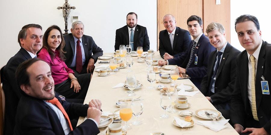 Bancada do Partido Novo em visita à Presidência da República.