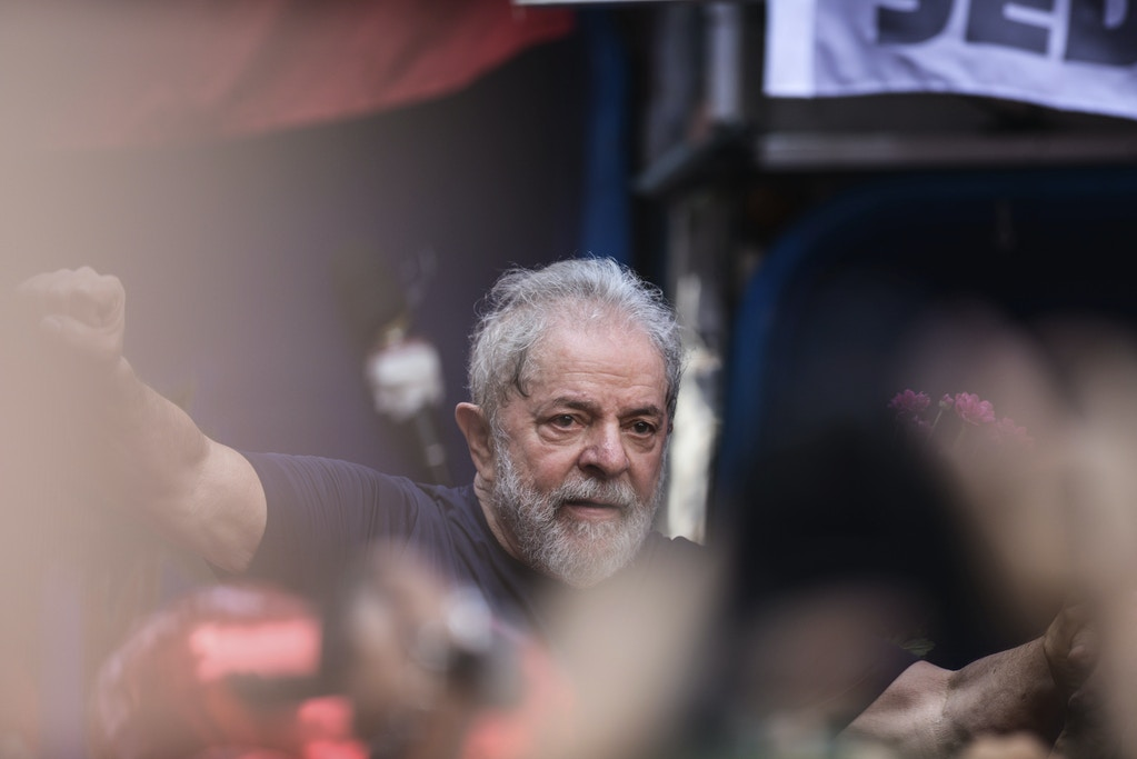 SP - Sao Paulo - 07/04/2018 - Lula attends Mass for Marisa - Former President Luiz Inacio Lula da Silva attends this Saturday's Mass in honor of his wife, Marisa Leticia, who died in 2017. The event takes place in in front of the headquarters of the Sindicato dos Metalurgicos do ABC, in the city of Sao Bernardo in Sao Paulo, where Lula has taken refuge since Judge Sergio Moro ordered his arrest. Photo: Marcos Bizzotto / AGIF (via AP)