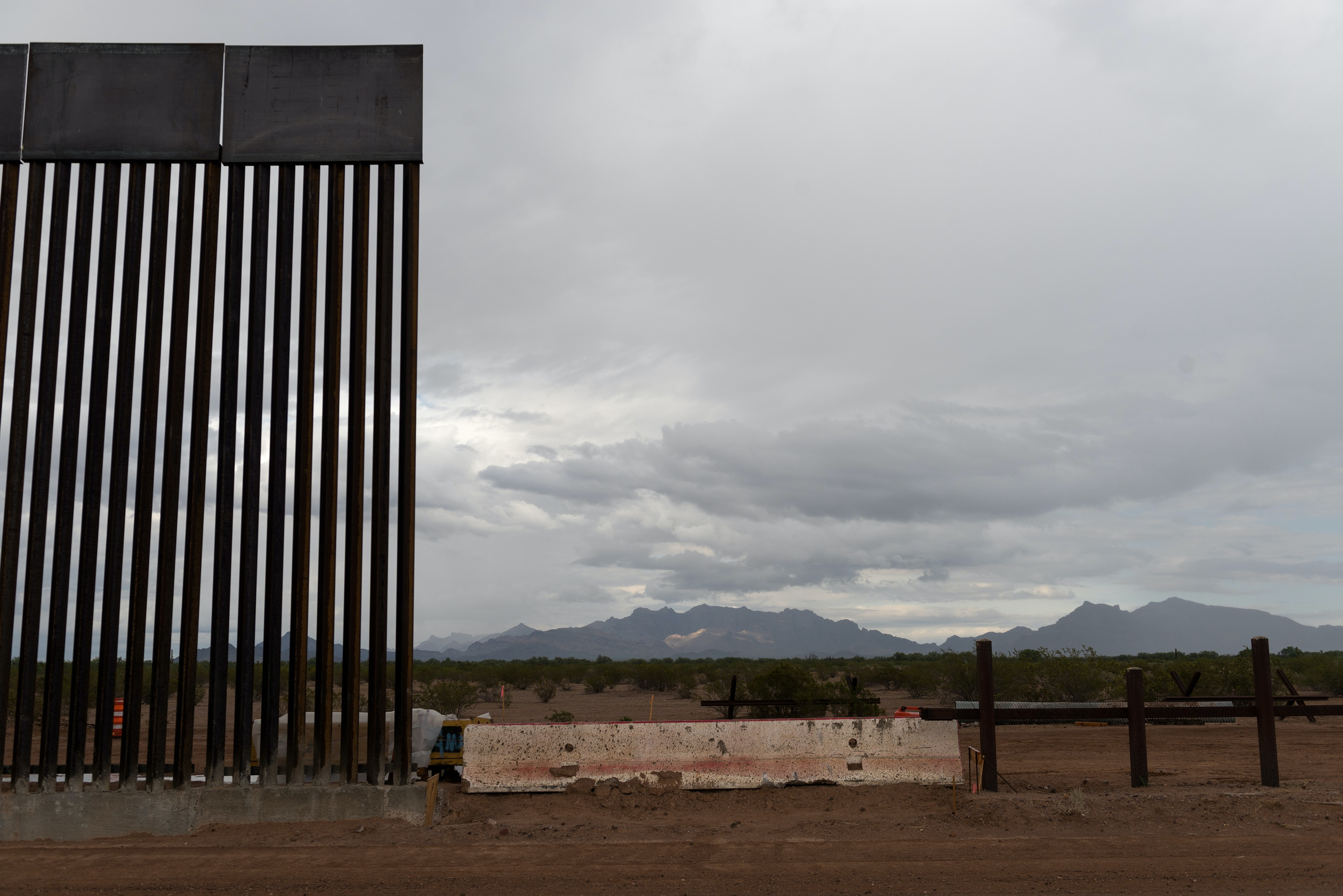Lukeville, Ariz. September 26, 2019: A section of the new taller barrier cures to the east of Lukeville, Ariz. on Thursday September 26, 2019. (Ash Ponders for The Intercept)