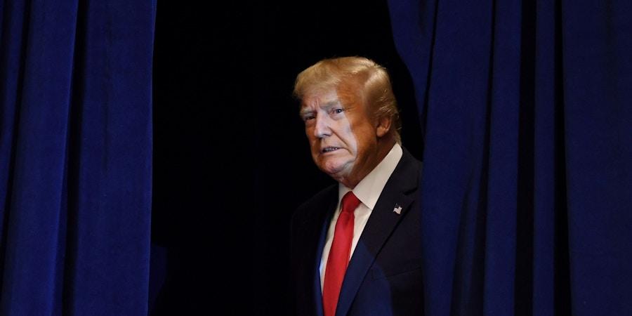 O presidente Donald Trump chega para uma coletiva de imprensa em Nova York, em 25 de setembro.