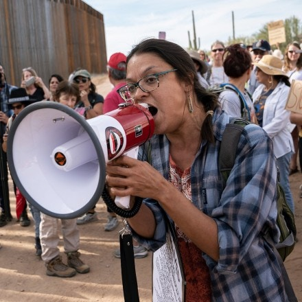 Nellie Jo David, 36, an activist from the Hia-Ced O'odham and Tohono O'odham people, addresses the crowd of protestors by the construction site of the U.S. Mexico border wall in Organ Pipe Cactus National Monument on November 9, 2019 during a day of actions protesting construction. The area is sacred to the native communities in the surrounding area. Photo by Kitra Cahana/MAPS for The Intercept