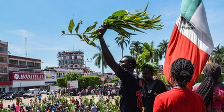 African migrants march demanding humanitarian visas that would enable them to cross Mexico on their way to the US, in Tapachula, Chiapas state, Mexico, in the border with Guatemala, on September 30, 2019. (Photo by ISAAC GUZMAN / AFP)        (Photo credit should read ISAAC GUZMAN/AFP via Getty Images)