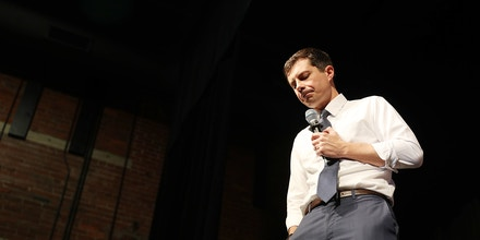 MANCHESTER, NEW HAMPSHIRE - NOVEMBER 08:  Democratic presidential candidate South Bend, Indiana Mayor Pete Buttigieg speaks during a campaign stop at the Rex Theatre on November 08, 2019 in Manchester, New Hampshire. Mr. Buttigieg spoke about his economic agenda for the country should he be elected president of the United States. (Photo by Joe Raedle/Getty Images)