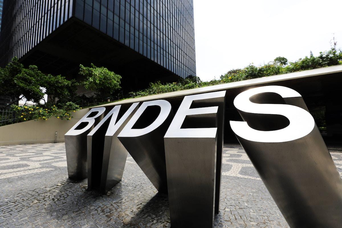 O 'assalto ao BNDES' que nunca existiu é uma obsessão de Bolsonaro que custa caro ao Brasil