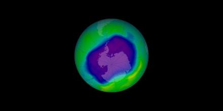 O buraco na camada de ozônio na Antártica, no dia 24 de setembro de 2006.
