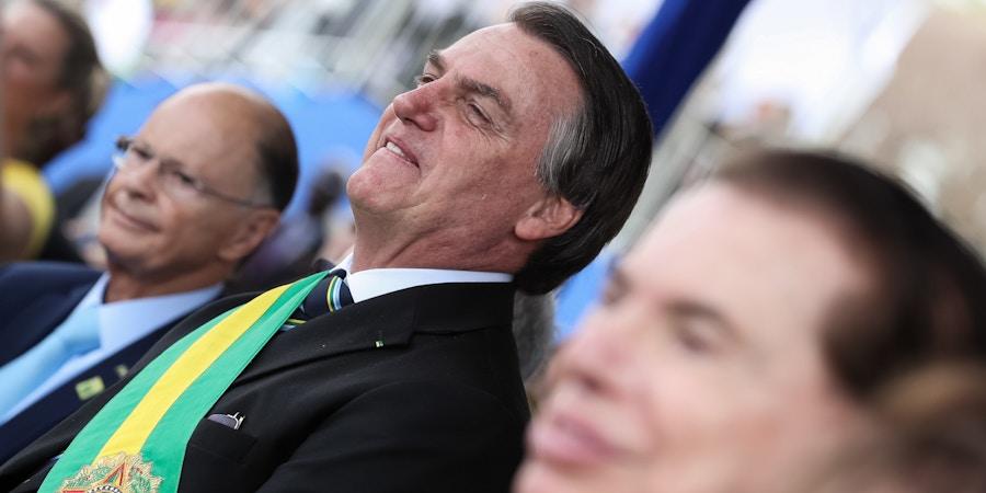 Bolsonaro se diz perseguido pela imprensa. Mas Band, SBT, Record e Rede TV estão ao seu lado