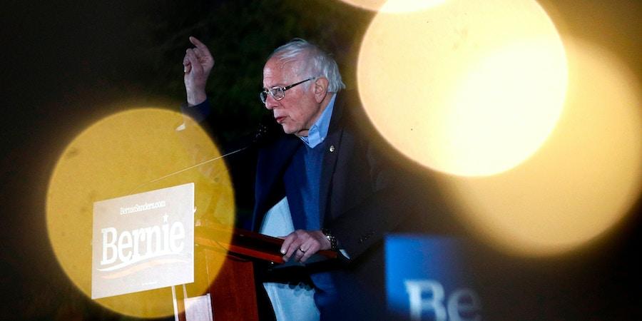 Candidato à presidência dos EUA pelo Partido Democrata, o senador independente de Vermont Bernie Sanders fala em evento de sua campanha na reserva natural Springs Preserve (Los Angeles, Califórnia) em 21 de fevereiro de 2020.