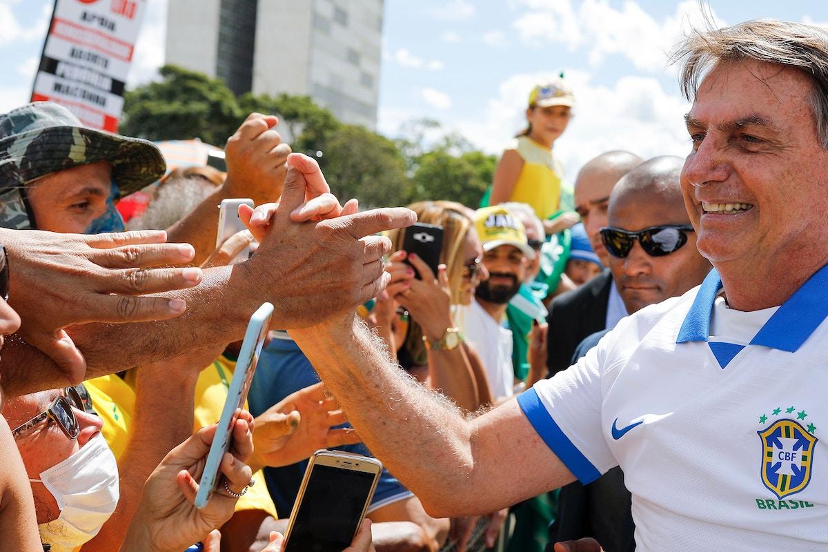 Coronavírus: 478 mil mortos no Brasil caso Bolsonaro siga imóvel
