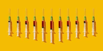 Ativista que trabalha pela ampliação de acesso à medicina diz que coronavírus abre oportunidade para diminuir poder de gigantes farmacêuticas.