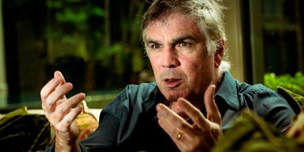 Funcionários da Riachuelo, do empresário Flávio Rocha, foram à Europa em fevereiro. Empresa recomendou afastamento, mas voltou atrás.