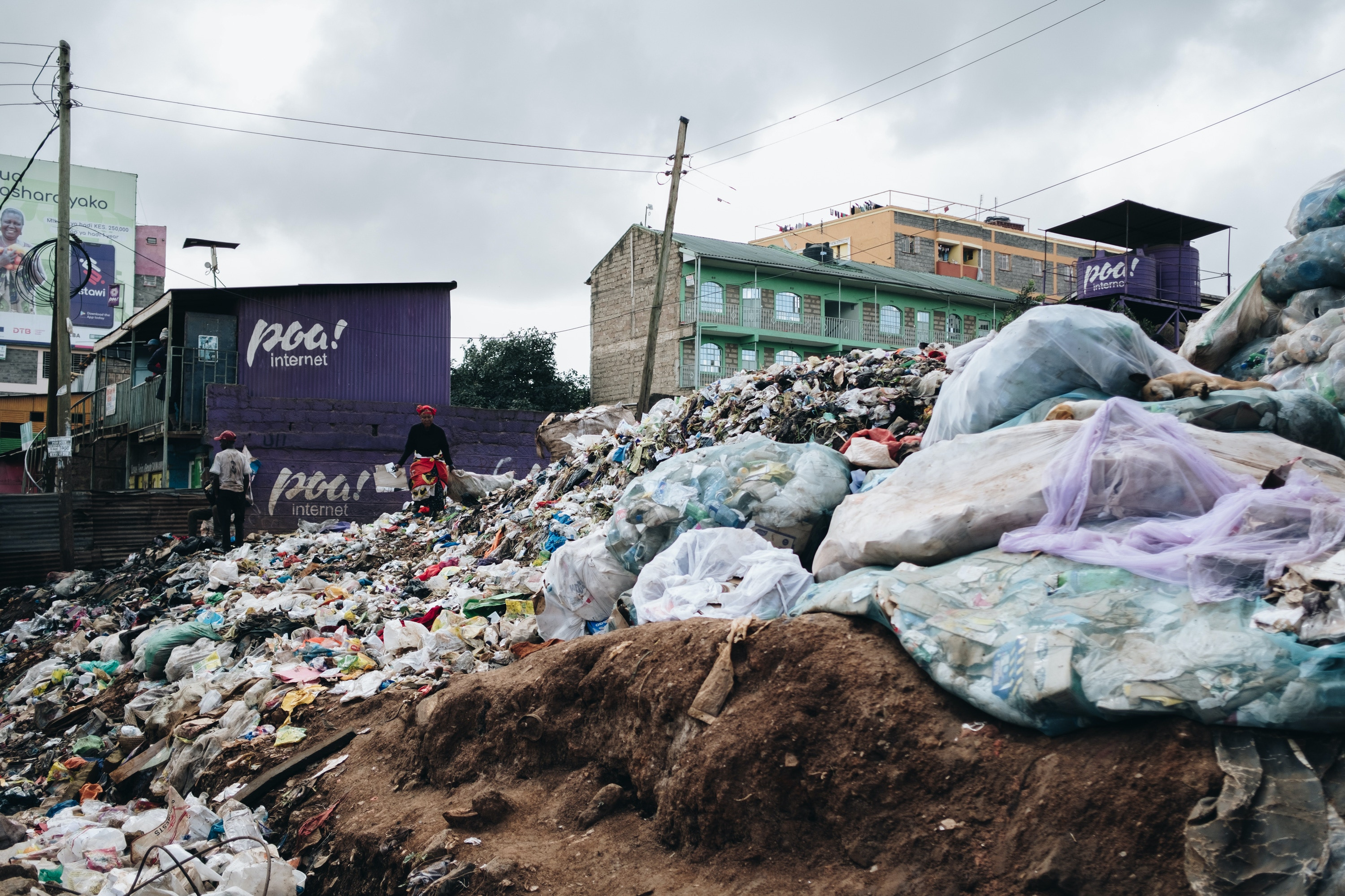 A neighborhood dumpsite in Kawangware, a low-income area of  Nairobi, Kenya. Feb. 15, 2020. (Khadija Farah for The Intercept).