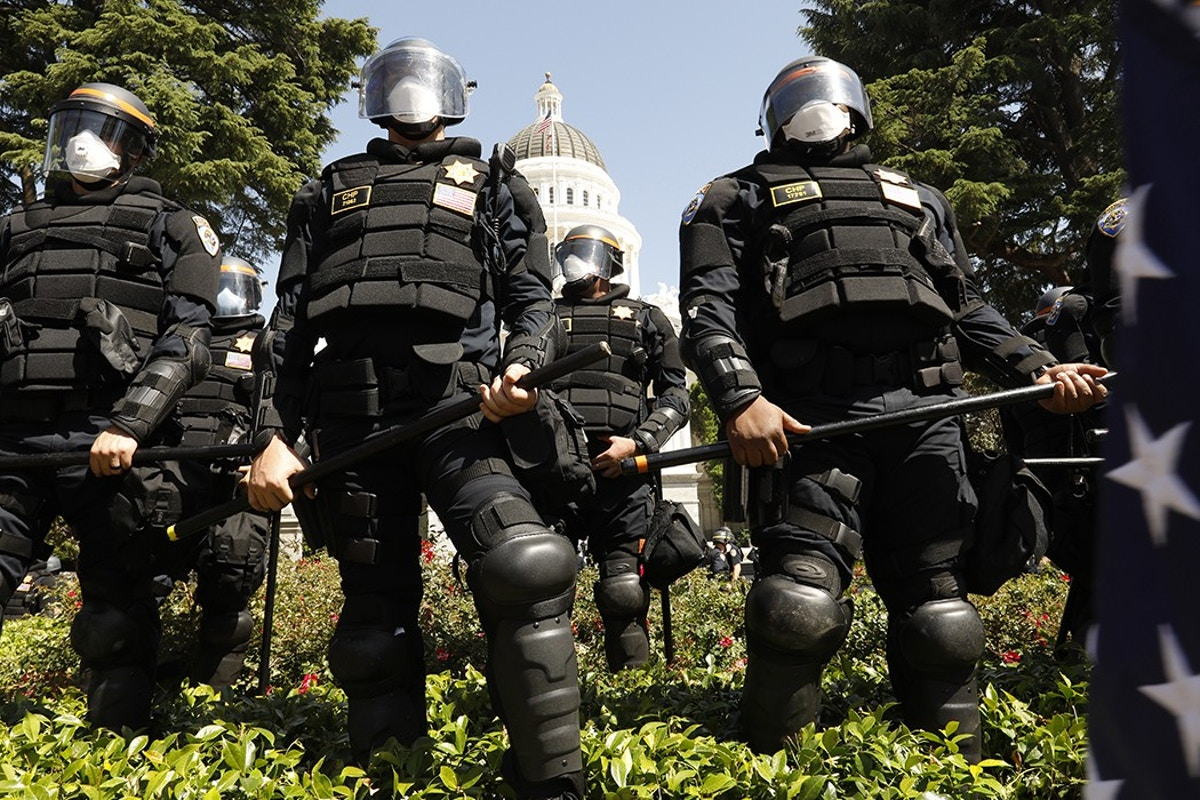 Federal Government Buys Riot Gear, Increases Security Funding, Citing Coronavirus Pandemic