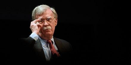 O ex-consultor de segurança nacional, John Bolton, é fotografado em um fórum moderado por Peter Feaver, o diretor do programa American Grand Strategy, da Universidade Duke, em 17 de fevereiro de 2020, em Durham, na Carolina do Norte.