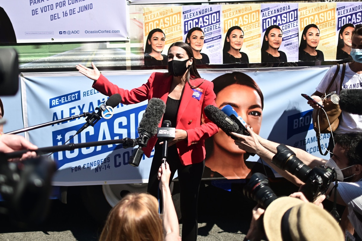 Alexandria Ocasio-Cortez's Campaign Workers Just Ratified a Union Contract