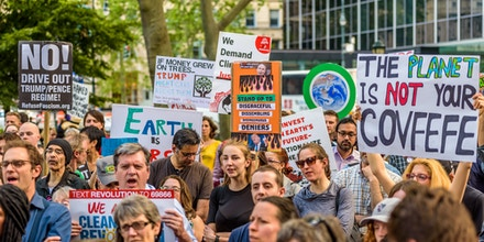 FOLEY SQUARE, NEW YORK, UNITED STATES - 2017/06/01: Activist groups and concerned citizens held a rally at Foley Square and then marched to New York City Hall in protest of Trumps attack on the Paris climate agreement. (Photo by Erik McGregor/LightRocket via Getty Images)