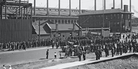 Image of a large crowd of workers outside the US Steel Corporation, Gary, Indiana, 1919.