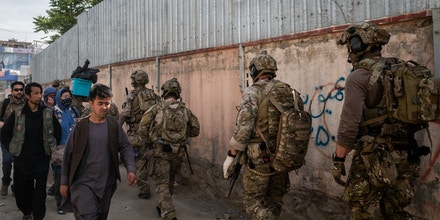American Special Forces soldiers at the scene of an attack on a health facility in Kabul, Afghanistan on May 12, 2020.