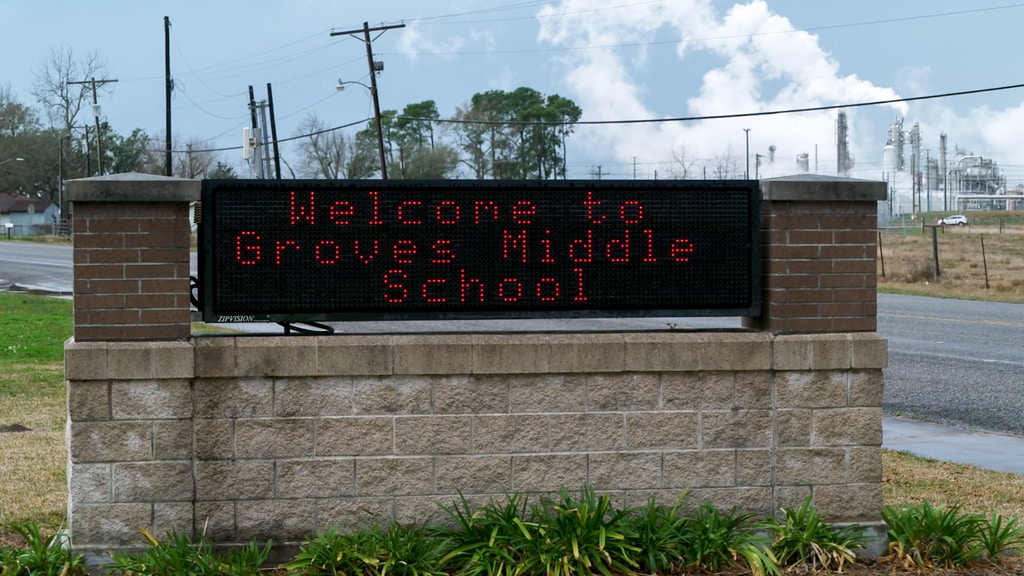 GrovesMiddleSchool