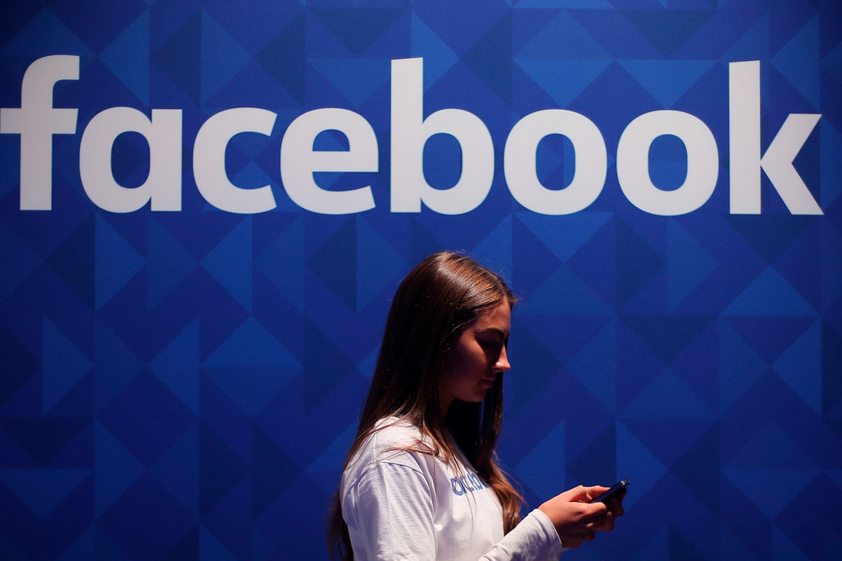Research Says Facebook's Ad Algorithm Perpetuates Gender Bias