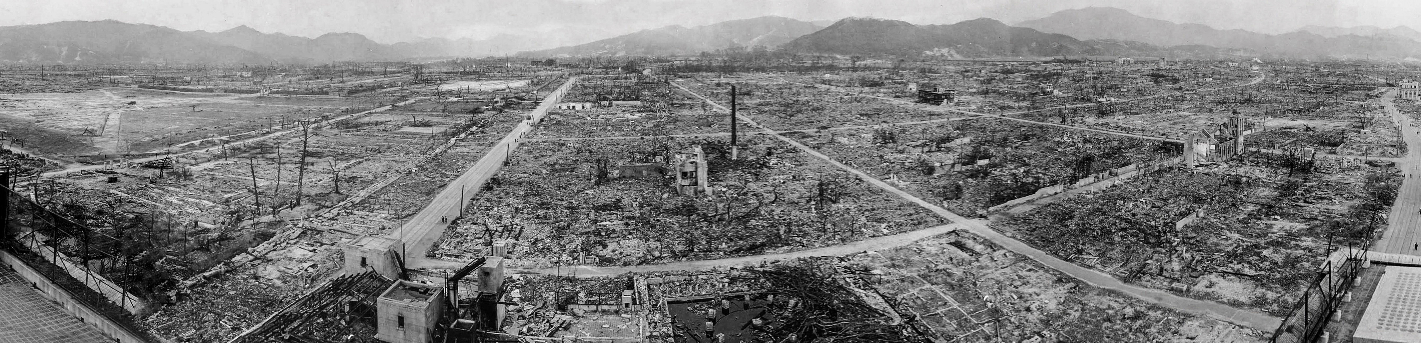 UNSPECIFIED - CIRCA 1754: hiroshima panoramic viwe of the destruction after the atomic bomb exploded over the city in 1945 (Photo by Universal History Archive/Getty Images)
